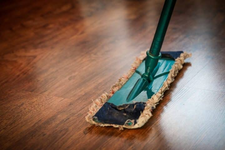 En guide til hvordan man nemmest rengør sit hjem