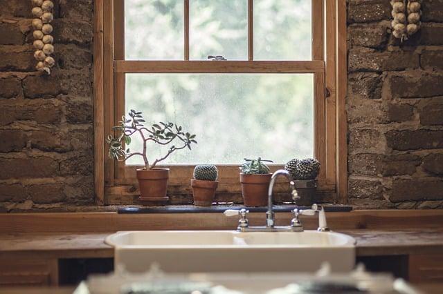 Hvordan pudser man vinduer uden striber