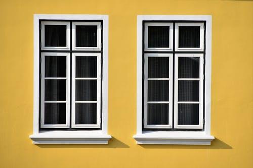 Skal vinduerne på huset skiftes? Sådan kommer du igennem forløbet